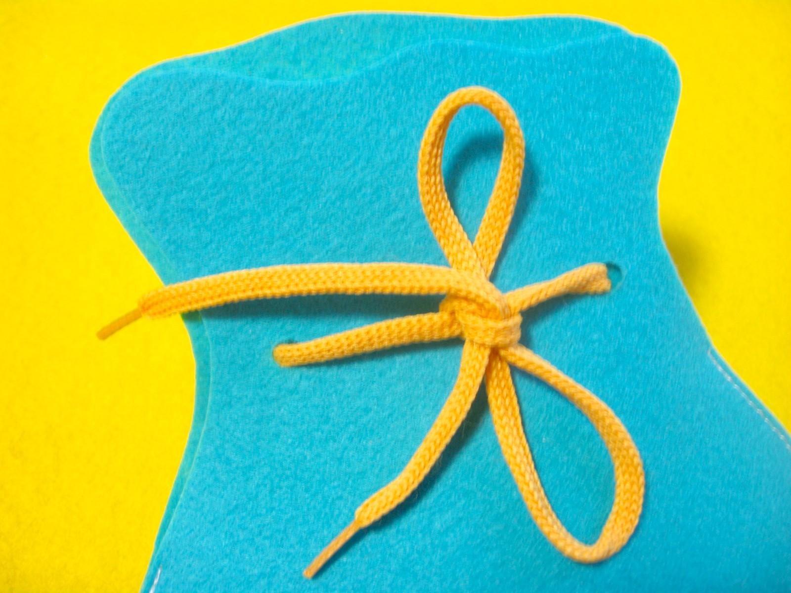 шнуровка из фетра развивающая игрушка
