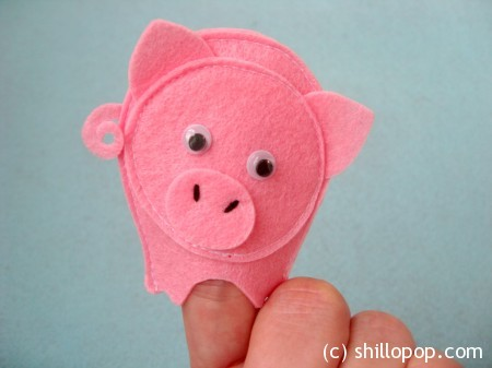 Educational felt finger puppets for rhymes  This Little Piggy PDF pattern