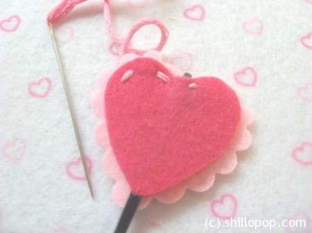 Heart-shaped felt hair pin
