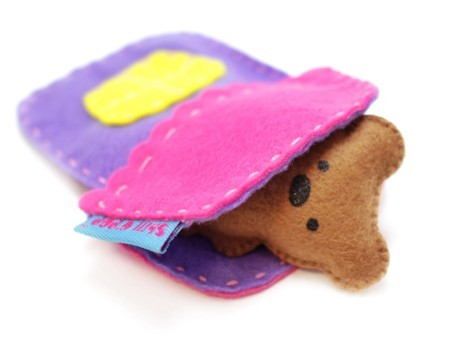 Игрушка из фетра в кармашек выкройки мишка зайчик домик 6