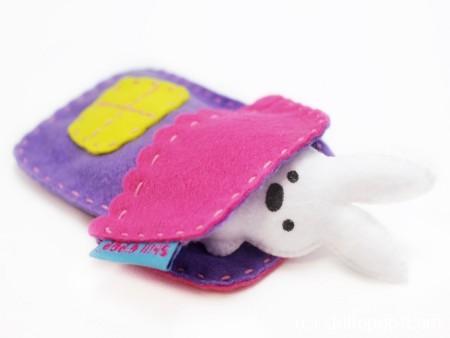Игрушка из фетра в кармашек выкройки мишка зайчик домик 9