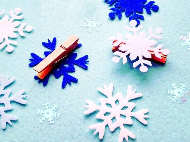 вырубка из фетра снежинки елочные игрушки выкройки мастер-класс